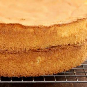 کیک اسفنجی آسان
